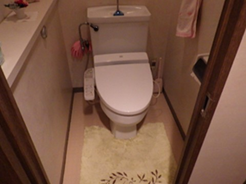 トイレ改装リフォーム(施工前)